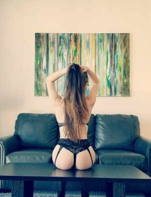 Ecrame ebony escort girls