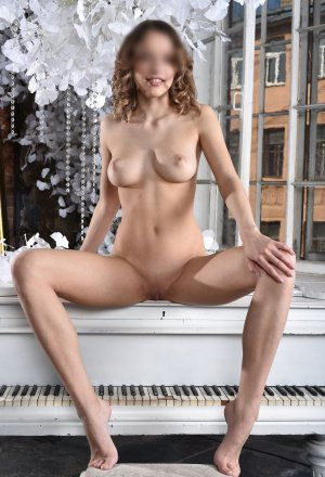 Pamina escort girls