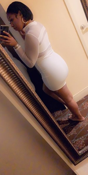 Elixane ebony escorts in Kapaa HI
