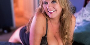 Fabrina live escorts in Houghton MI